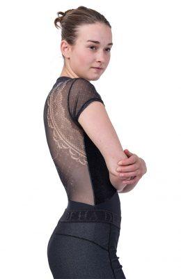 Stoere legging in zwart met een glanslaag eroverheen